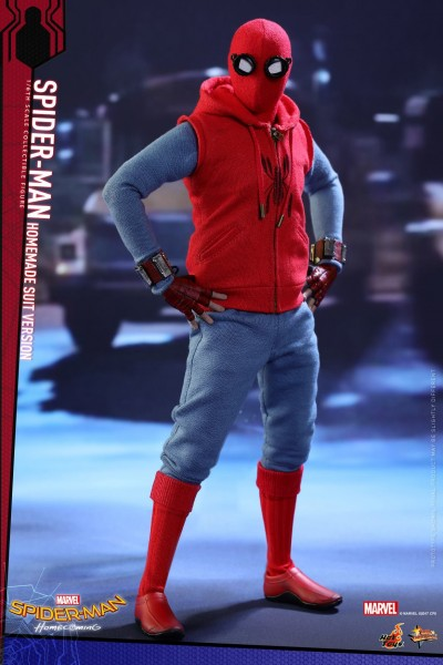 Hot Toys - Spiderman Homesuit Version - Spiderman Homecoming