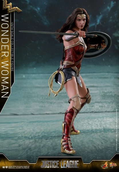 Hot Toys - Wonder Woman - Justice League - Normal Version