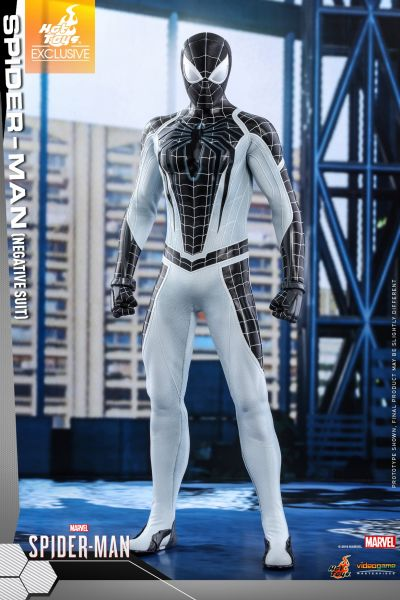 Hot Toys - Spiderman - Negative Suit Version - Marvel Spiderman - PS4 Videogame