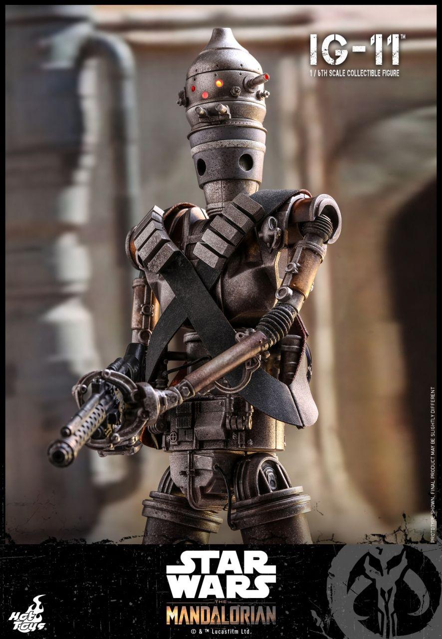 Hot Toys - IG-11 - Star Wars: The Mandalorian