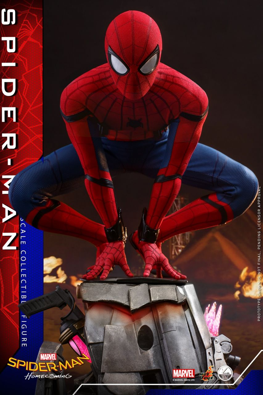 Hot Toys - Spiderman - Quarter Scale - Regular Version - Spiderman Homecoming