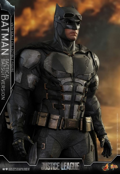 Hot Toys - Batman - Tactical Suit Version - Justice League - Special Edition