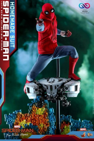 Hot Toys - Spiderman - Homesuit Version - Spiderman: Far From Home