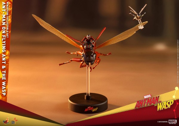 Hot Toys - Ant Man on flying Ant and the Wasp - Ant Man and the Wasp